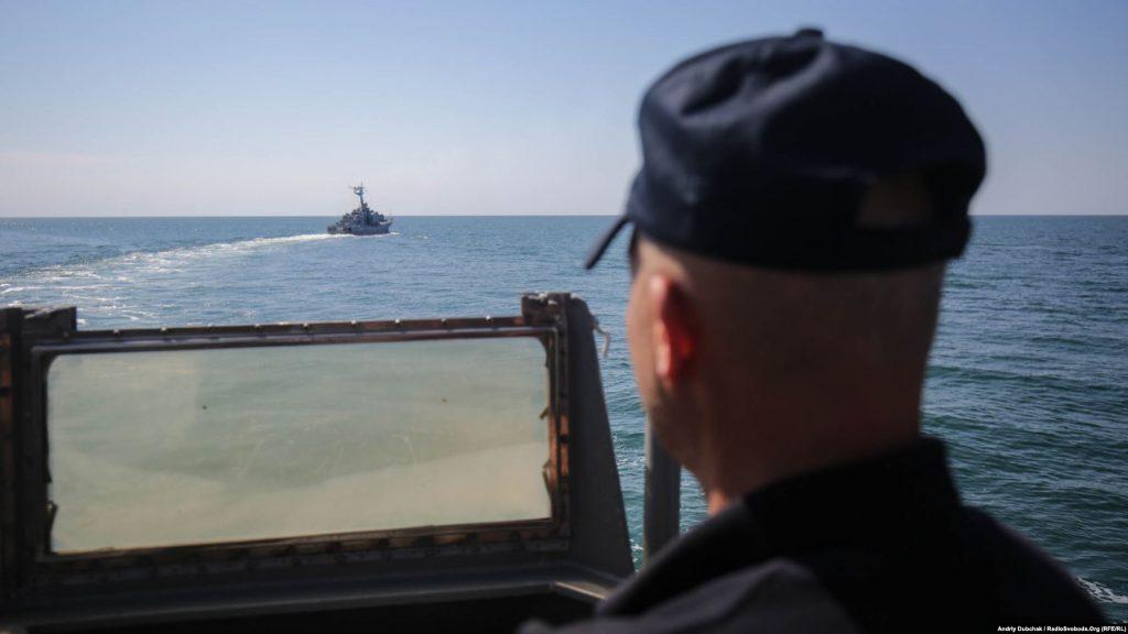 Ракетний катер ВМС ЗСУ «Прилуки» під час чергового маневру, photographer Andriy Dubchak