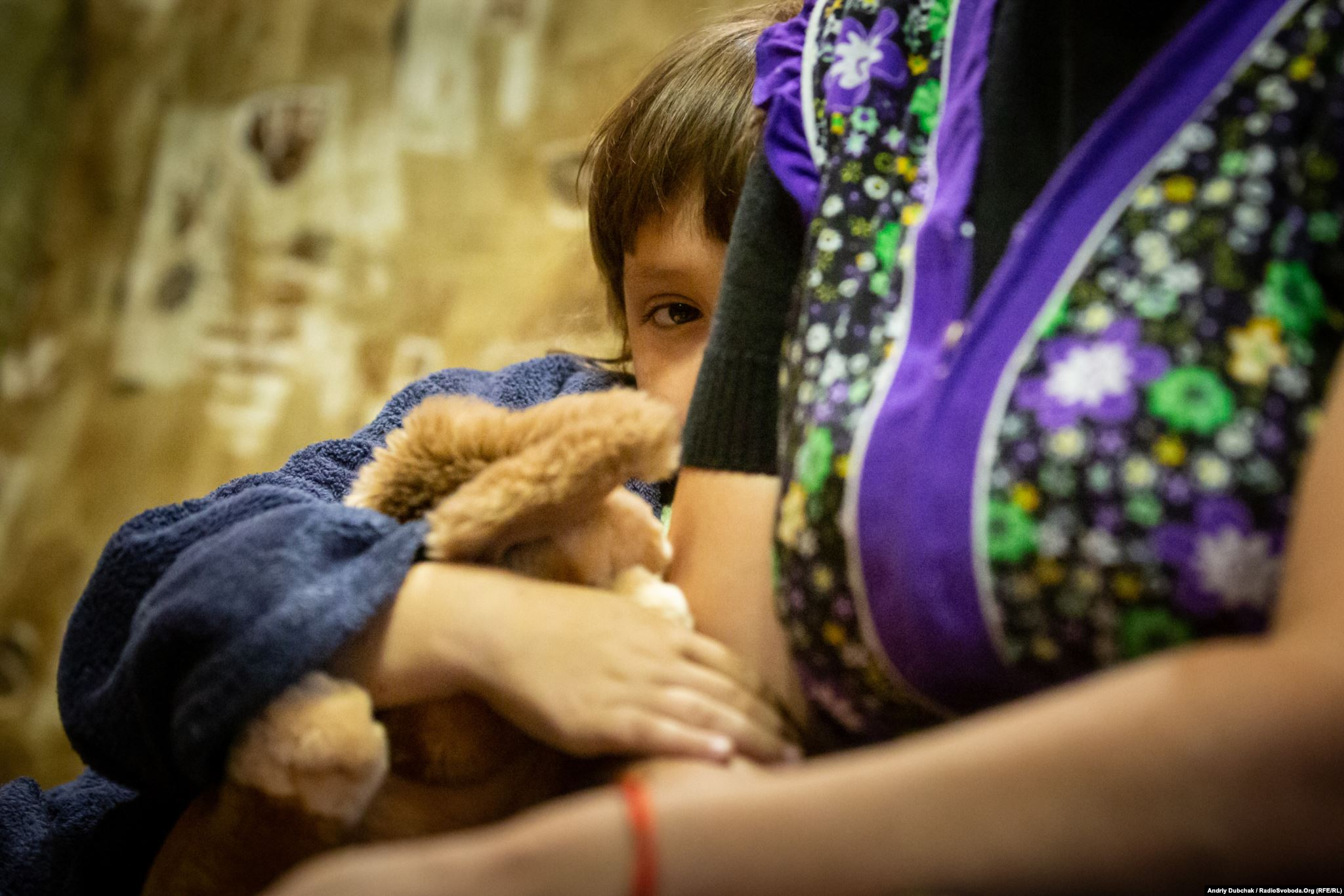 Sofia, 6, is shy with visitors in Krasnohorivka. (photo: Andriy Dubchak)