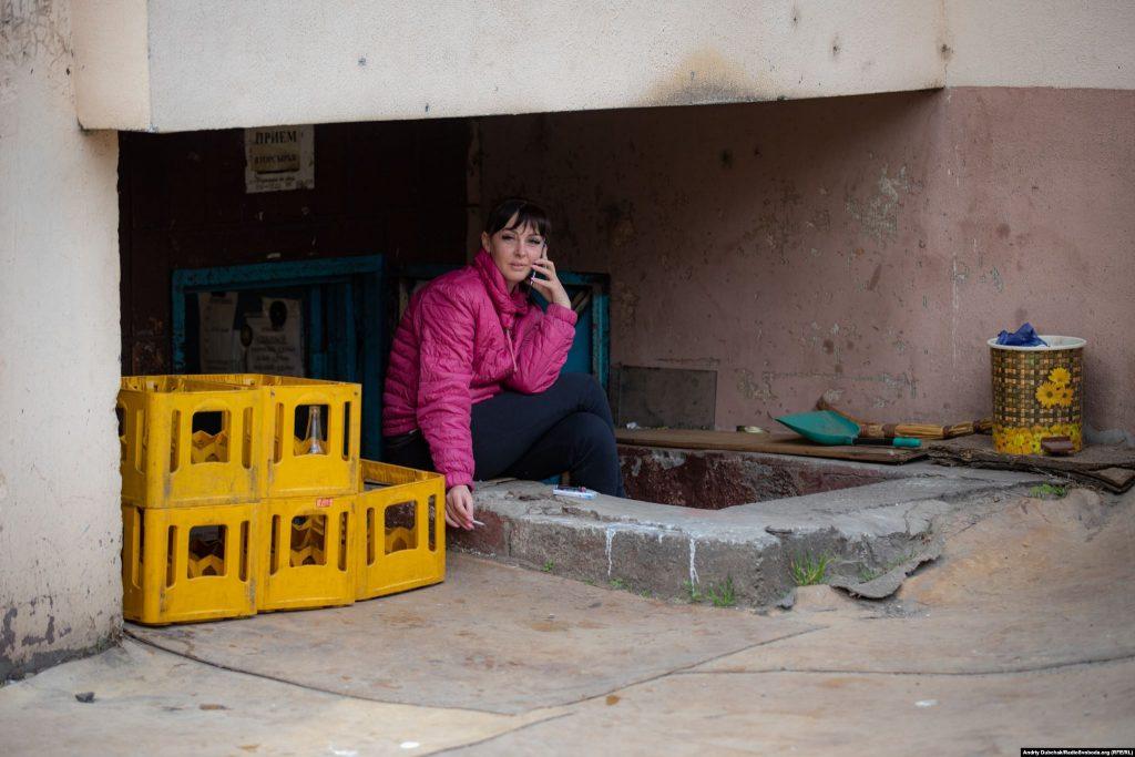 «Тайна» біля пункту прийому вторсировини у підвалі висотки. Фото - Андрій Дубчак